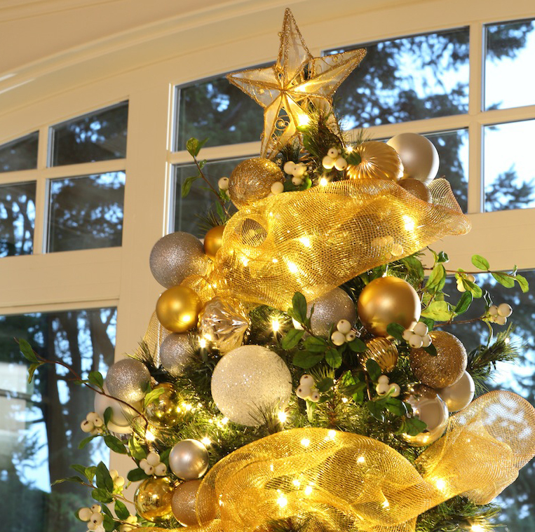 greenscape design custom residential christmas tree and holiday