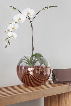 18 Karat Lucca Vase